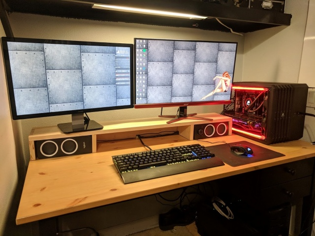 PC_Desk_MultiDisplay110_44.jpg