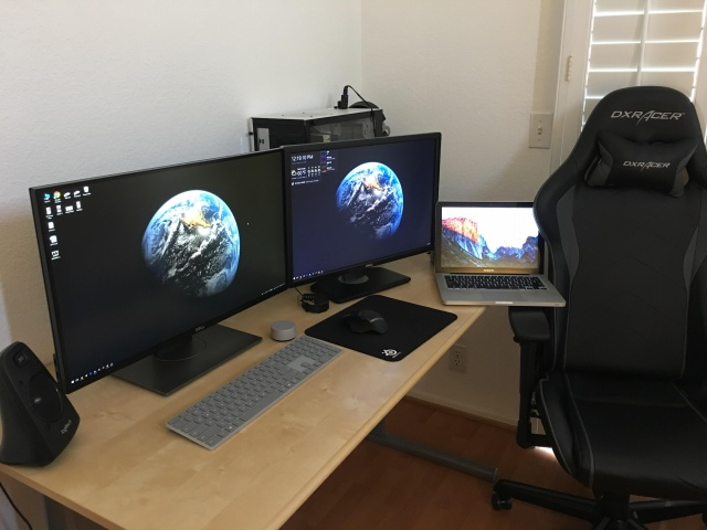 PC_Desk_MultiDisplay111_03.jpg