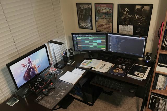 PC_Desk_MultiDisplay111_05.jpg