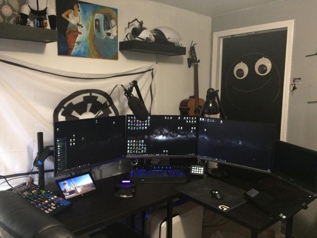 PC_Desk_MultiDisplay111_12.jpg