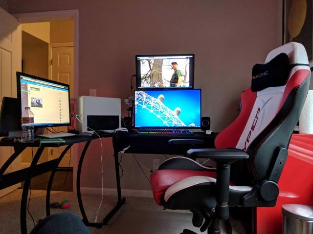 PC_Desk_MultiDisplay111_15.jpg