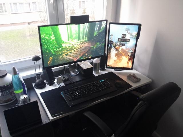 PC_Desk_MultiDisplay111_38.jpg