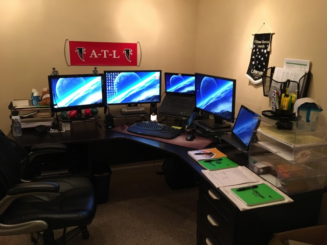 PC_Desk_MultiDisplay111_52.jpg
