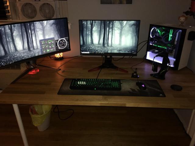 PC_Desk_MultiDisplay111_56.jpg