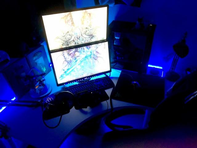 PC_Desk_MultiDisplay111_58.jpg