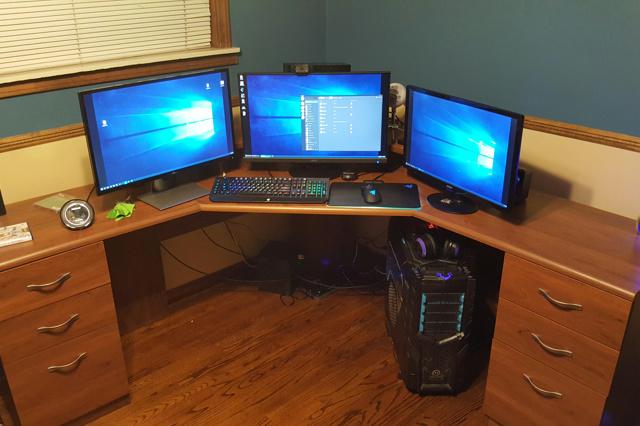 PC_Desk_MultiDisplay111_71.jpg