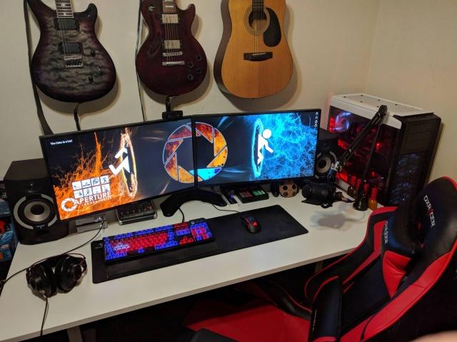 PC_Desk_MultiDisplay111_82.jpg
