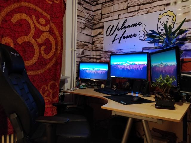 PC_Desk_MultiDisplay111_97.jpg