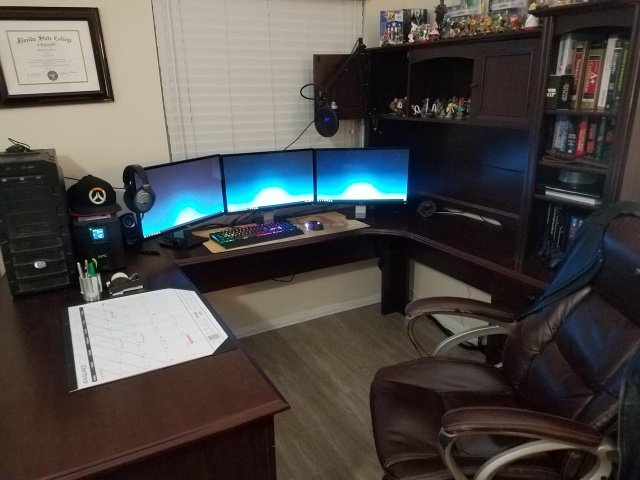 PC_Desk_MultiDisplay113_06.jpg