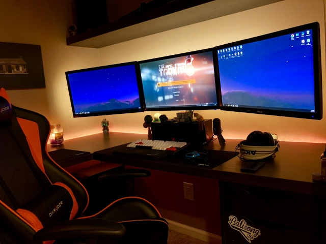 PC_Desk_MultiDisplay113_14.jpg