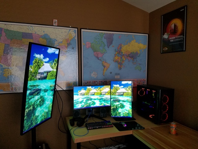 PC_Desk_MultiDisplay113_40.jpg