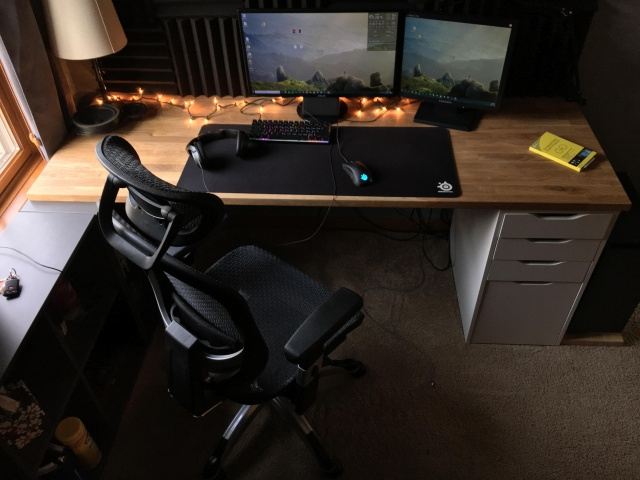PC_Desk_MultiDisplay113_52.jpg