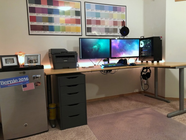 PC_Desk_MultiDisplay113_67.jpg