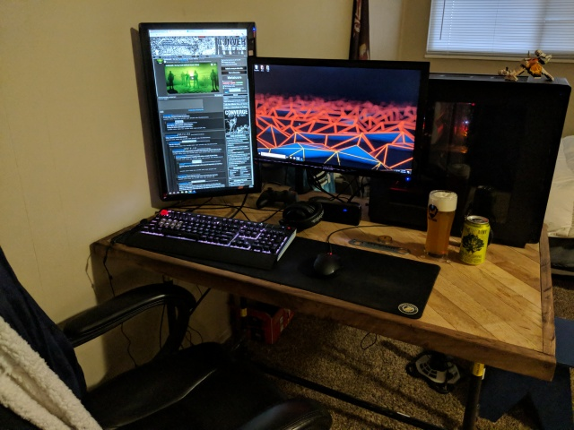 PC_Desk_MultiDisplay113_71.jpg