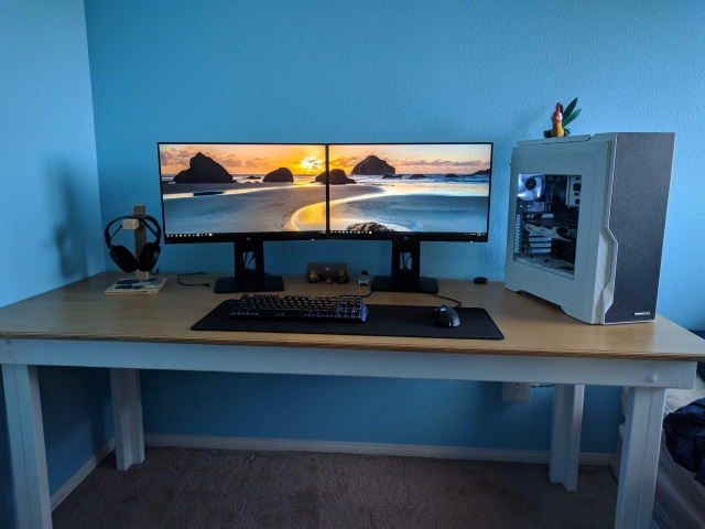 PC_Desk_MultiDisplay113_93.jpg