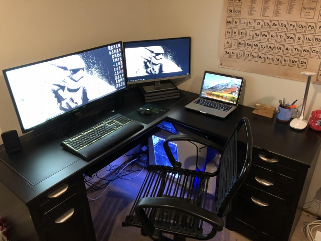 PC_Desk_UltlaWideMonitor27_100.jpg