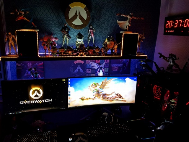 PC_Desk_UltlaWideMonitor27_24.jpg