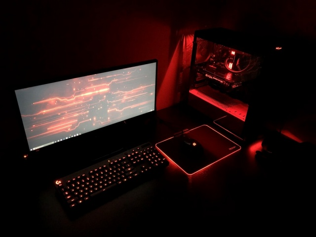 PC_Desk_UltlaWideMonitor27_35.jpg