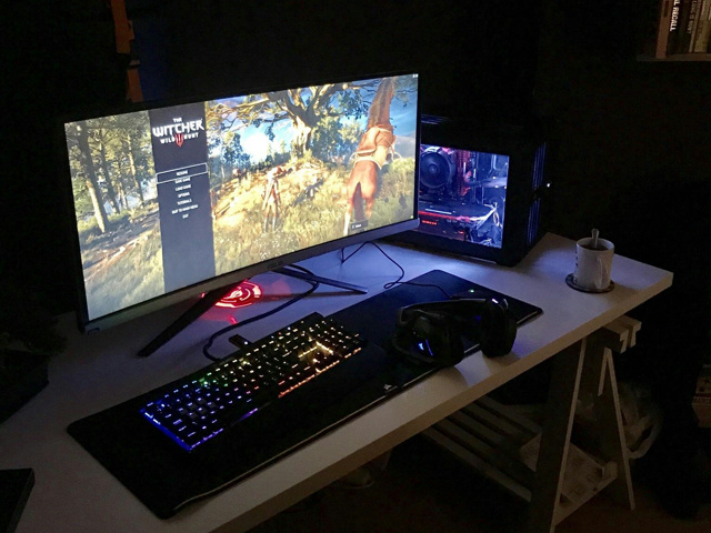 PC_Desk_UltlaWideMonitor27_48.jpg