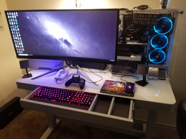 PC_Desk_UltlaWideMonitor27_69.jpg