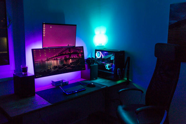 PC_Desk_UltlaWideMonitor27_73.jpg