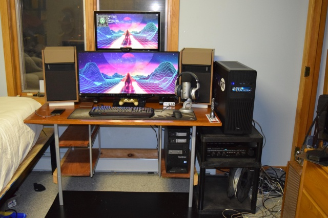 PC_Desk_UltlaWideMonitor27_79.jpg