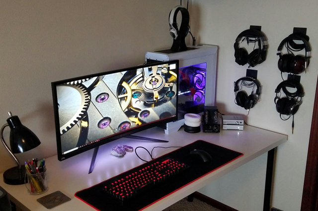 PC_Desk_UltlaWideMonitor27_83.jpg