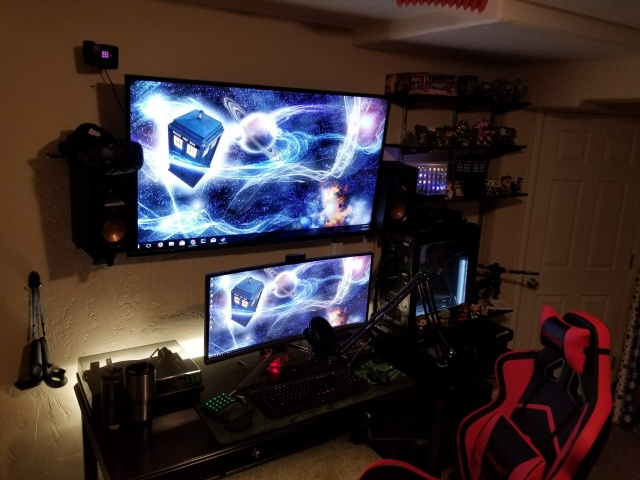 PC_Desk_UltlaWideMonitor28_14.jpg