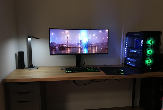 PC_Desk_UltlaWideMonitor28_40.jpg