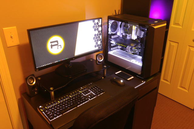 PC_Desk_UltlaWideMonitor28_54.jpg