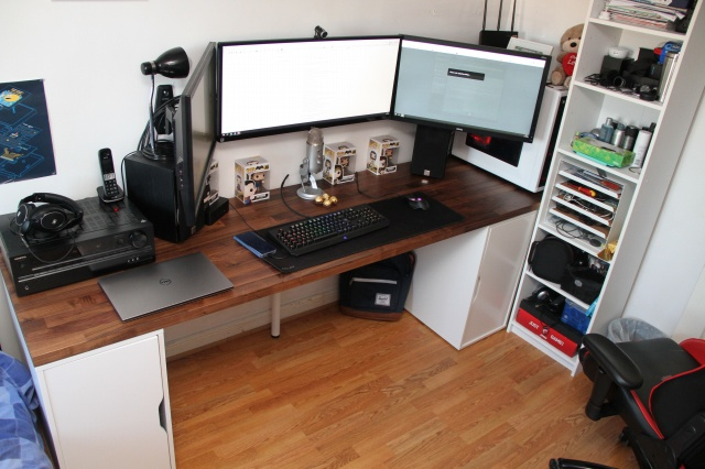 PC_Desk_UltlaWideMonitor28_57.jpg