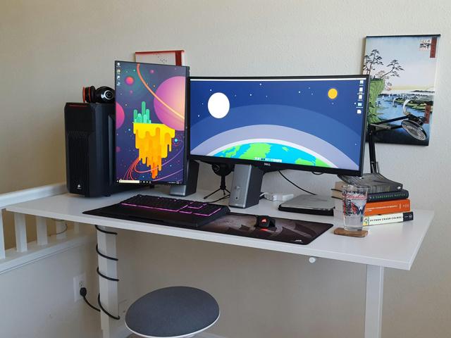 PC_Desk_UltlaWideMonitor28_58.jpg