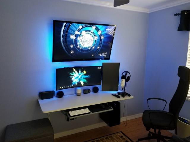 PC_Desk_UltlaWideMonitor28_80.jpg