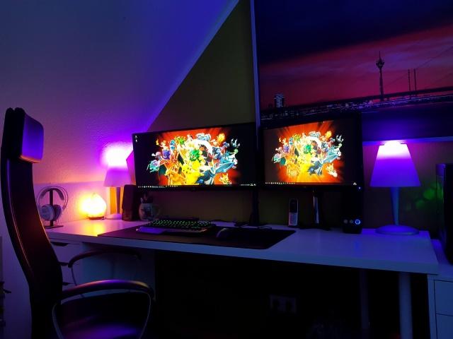 PC_Desk_UltlaWideMonitor28_99.jpg