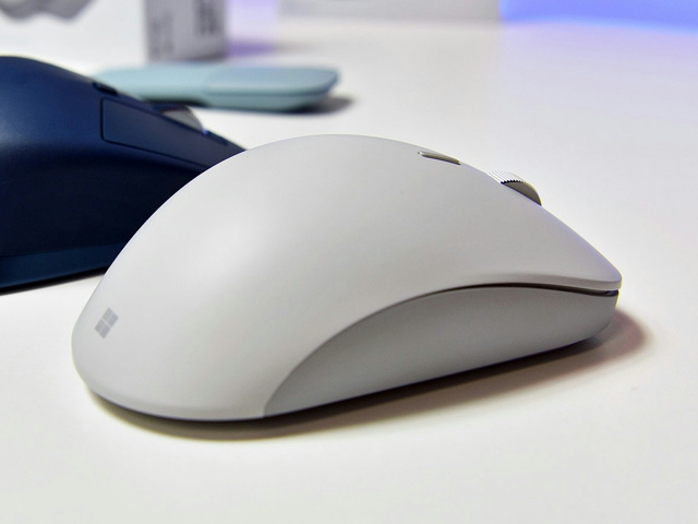 Surface_Precision_Mouse_09.jpg