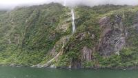 ミルフォード滝