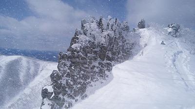 藻琴山屏風岩(3月)