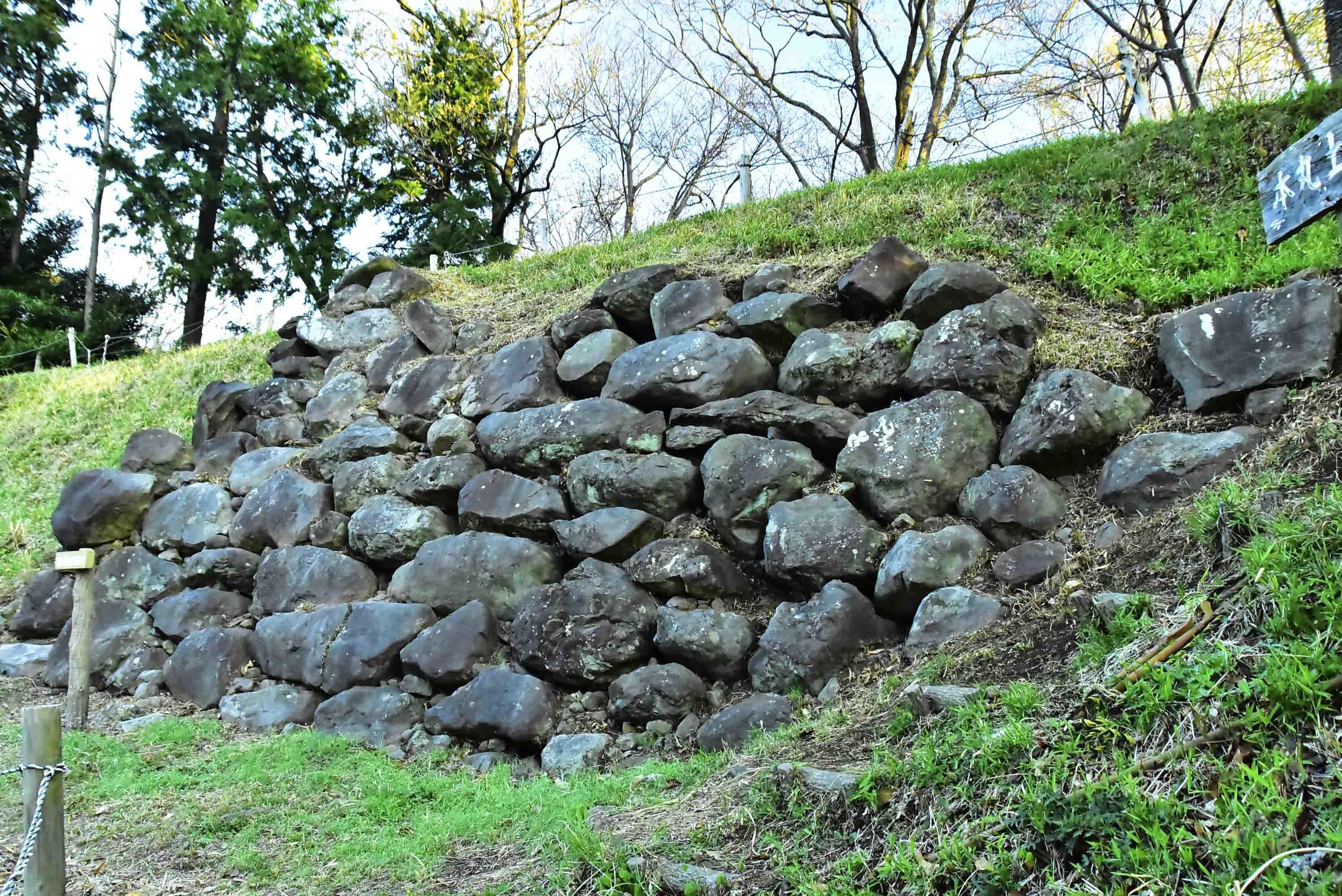 興国寺城 石垣