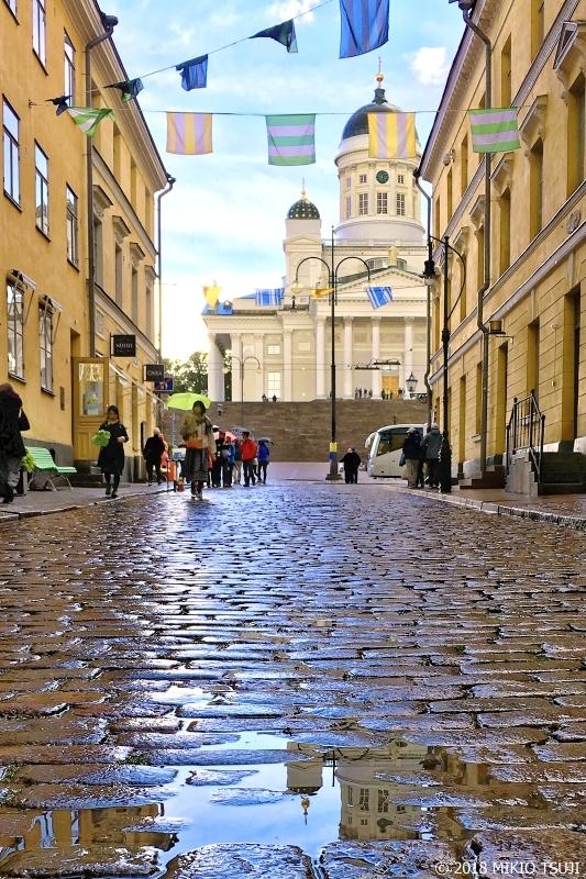 絶景探しの旅 - 0519 水たまりとヘルシンキ大聖堂 (フィンランド ヘルシンキ)