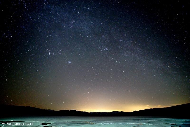 絶景探しの旅 - 0538 天の川と氷の屈斜路湖 (北海道 弟子屈町)