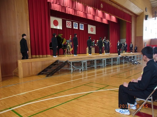 H30年墨坂中学校卒業式1